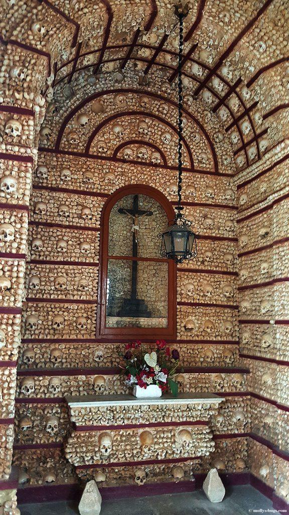Capela_de_Ossos Bone_Chapel_Faro