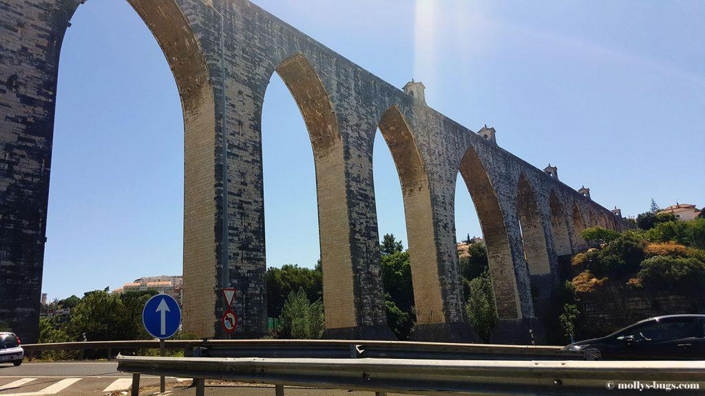 aguas_livres_aqueduct_lisbon_1